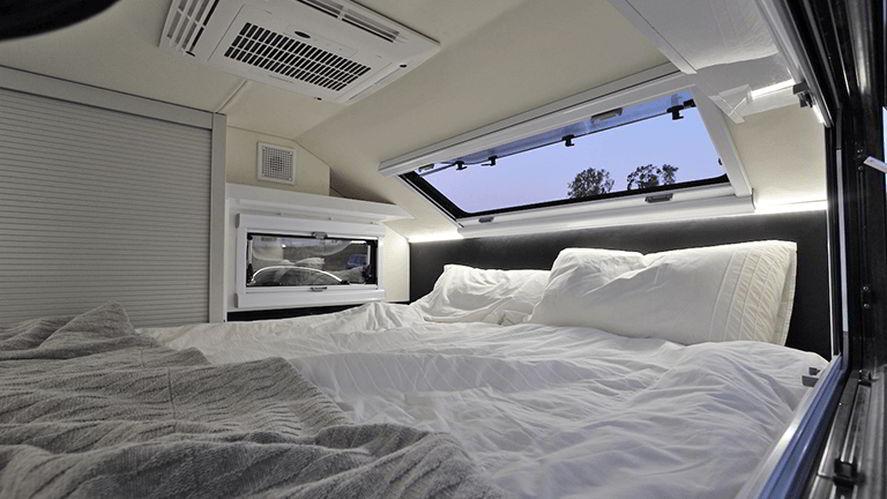 Burder Bed & Skylight